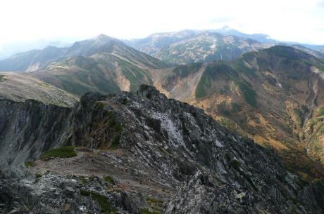 水晶岳南側の光景