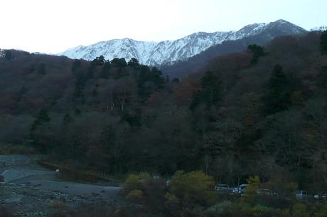 大山寺橋から見上げた大山北壁