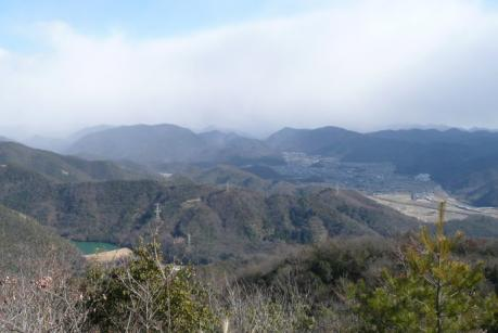 山頂からの東面展望