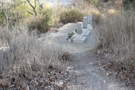 天神尾根の墓地