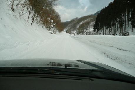 圧雪路面のアプローチ