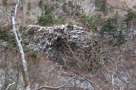 山道から見る屏風岩21