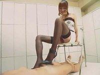 【M男】 長身美脚S女性の黒パンストヒールコキ