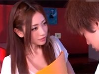 前田かおり 美人過ぎる女教師が童貞で悩む生徒を優しく筆おろし