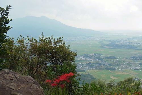 雨引山から筑波山