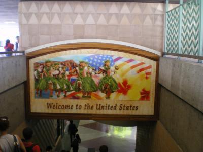 ハワイ2012.7到着入国歓迎ボード
