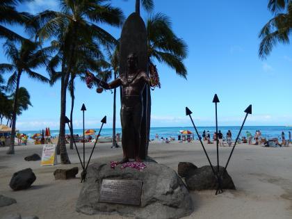 ハワイ2013.7ワイキキデュークカハナモク像