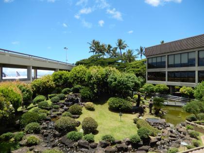 ハワイ2013.7ホノルル空港中庭