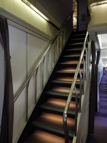 ハワイ2013.7チャイナエアライン機内階段