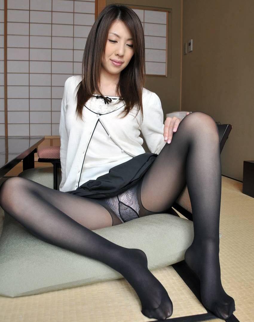 Japanese mature woman yumiko