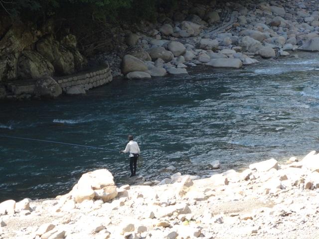 201409081414田の尻釣り人