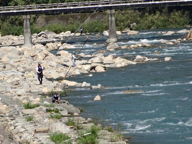 201409081430与床右岸釣り人