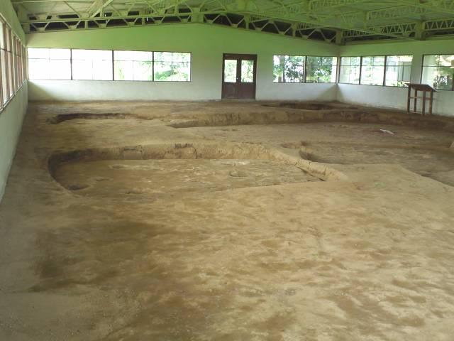 保護棟に保存された遺跡