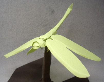 切り折り紙 とんぼ