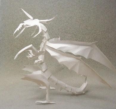 切り折り紙 (昆虫型?)ドラゴン
