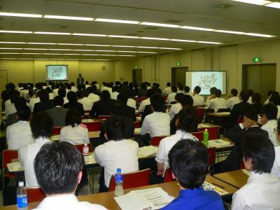 写真キャプション=7月16日に大阪で開催された「第2回ぱちんこ情熱リーグ」の説明会