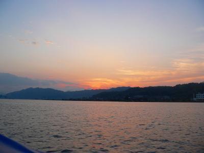写真キャプション=天橋立の対岸となる阿蘇湾と奥丹後半島の静かな夕暮れ
