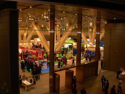 写真キャプション=多くの来場者を集めた「パチンコホールイノベーションフォーラム2010」の会場