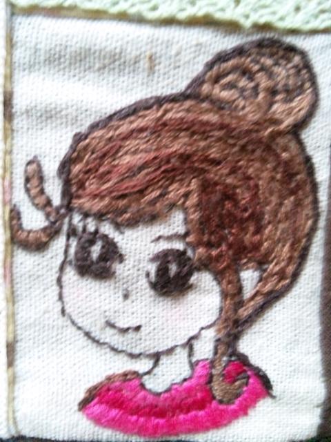 女の子刺繍アップ