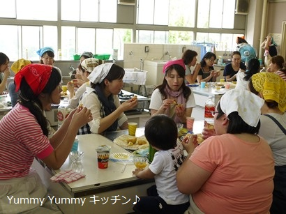 T小学校家庭学級米粉シュークリーム講習会 試食