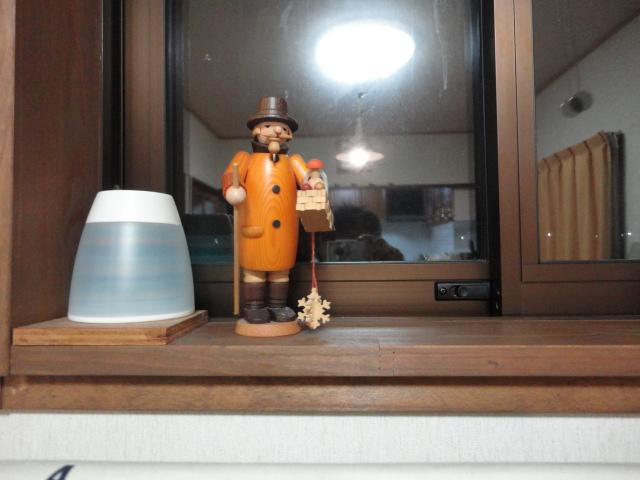 パイプ・おじさんと夜の窓