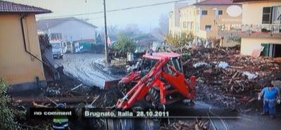 111028 Toscana flood