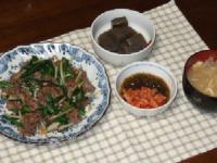 6/23 夕食 牛肉ともやし・ニラ炒め、こんにゃくのピリ辛煮、キムチもずく酢、もやしみそ汁