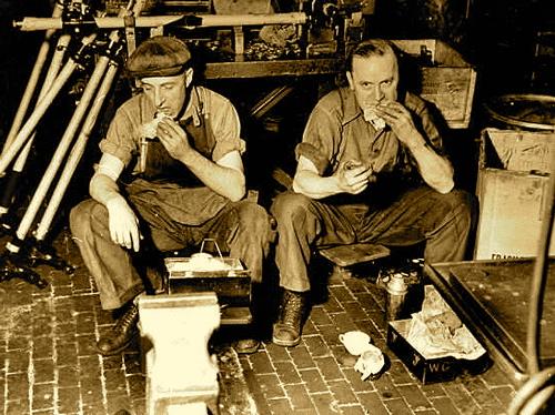 twoworker1937.jpg