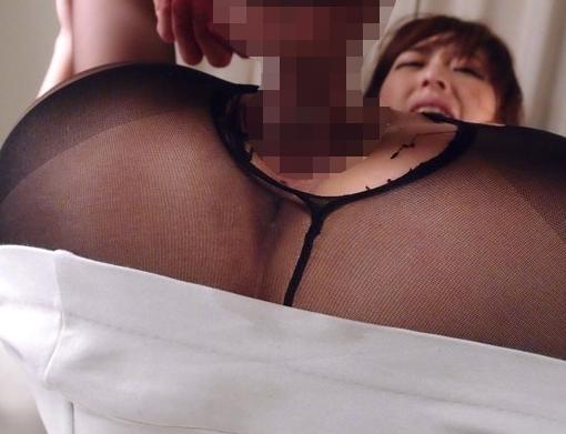 美人女教師がスレンダー美脚にタイトスカートでパンスト足コキの脚フェチDVD画像6