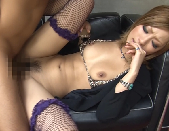ギャル女社長が網タイツ着衣SEXやパンスト足コキで痴女プレイの脚フェチDVD画像2