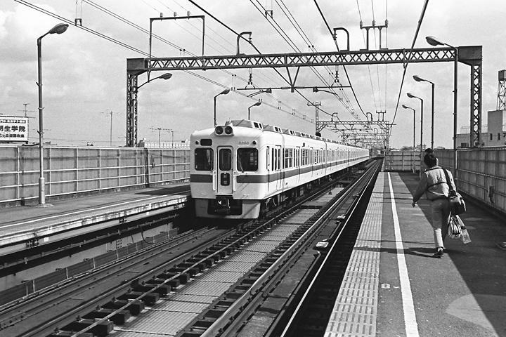 600403登戸駅_2600系
