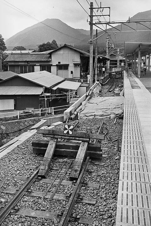 198603新藤原駅ホーム_04
