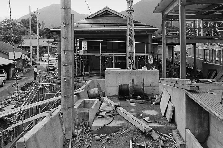 198603新藤原駅工事中_02