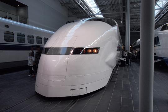 20110402_maglev_rail_park-21.jpg