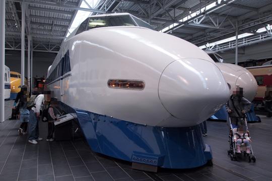 20110402_maglev_rail_park-23.jpg