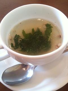 イタリア食堂 トラットリア ノンノ ほうれん草のスープ