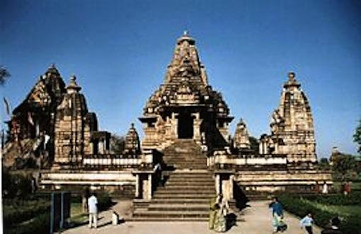 270px-Khajuraho_tempel_india.jpg