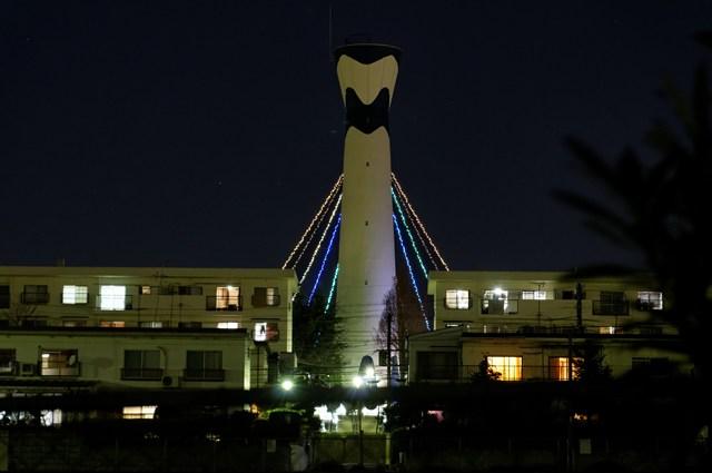 府公社香里三井F団地給水塔のイルミネーション遠景