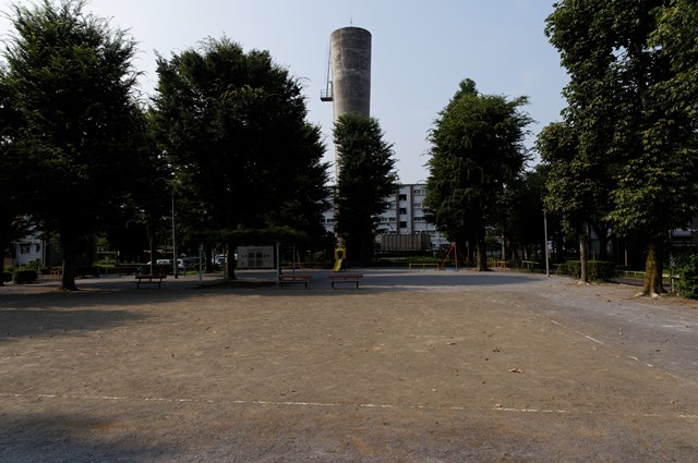 都公社小金井本町住宅の公園と給水塔