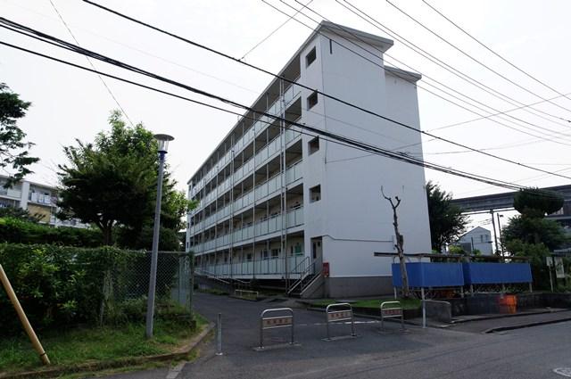 都営日野新井アパートの片廊下住棟