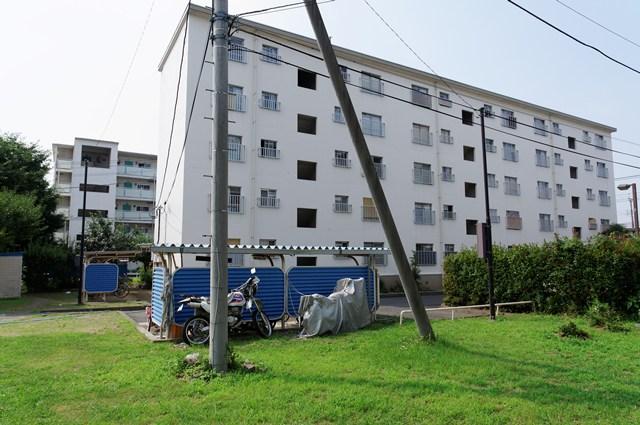 都営日野新井アパートの住棟
