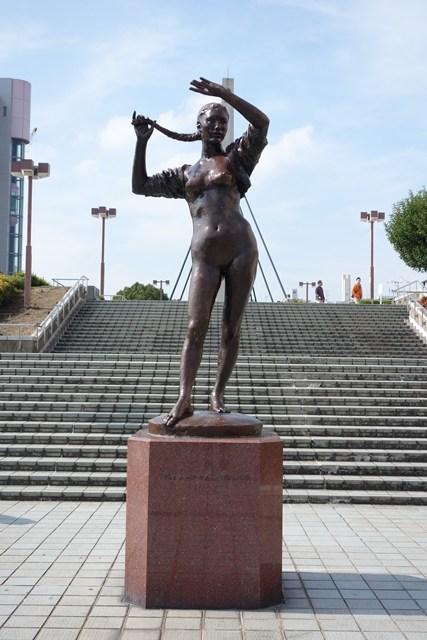 平城ニュータウンのブロンズ像