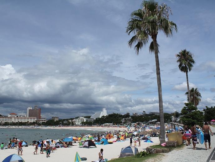 夏の南紀白浜 純白のビーチ「白良浜」