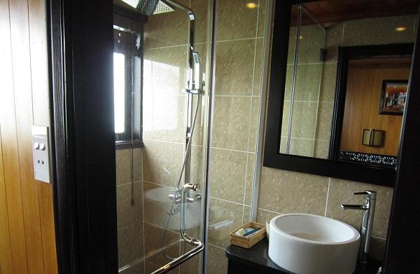 各個室にシャワーとトイレがついています