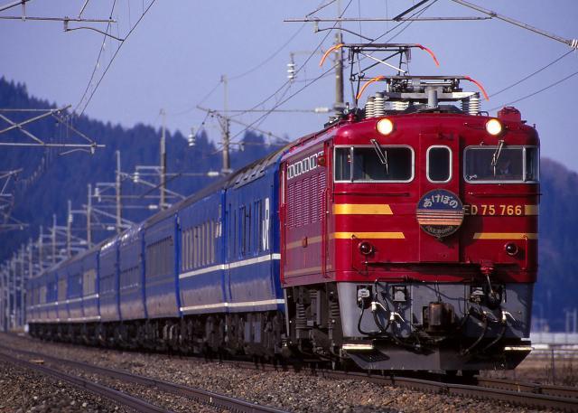 JR-E-ED75-766-akebono-PC24-12cars-2_convert_20131203183445.jpg