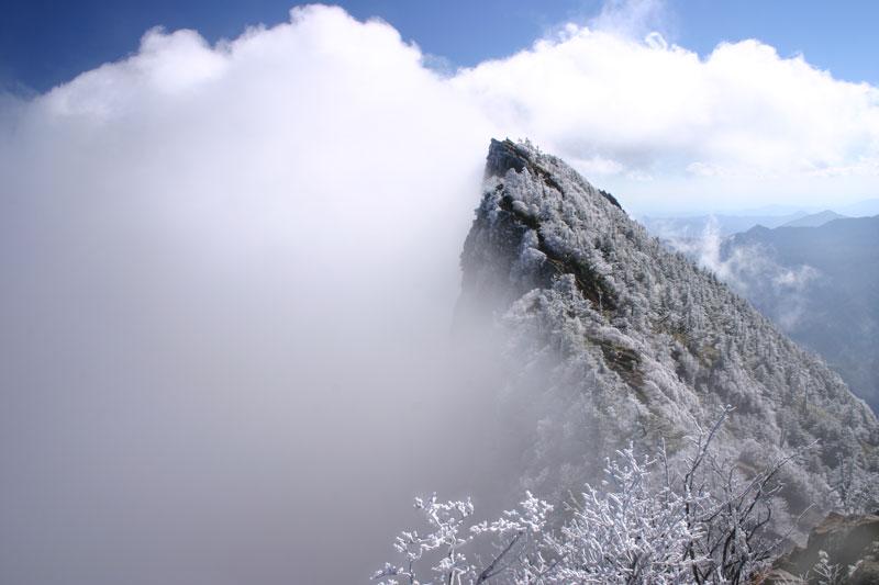 湧雲霊峰 (愛媛県 西条市 石鎚山)