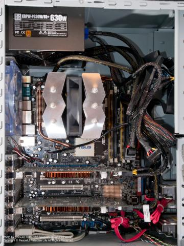 玄人志向KRPW-P630W/85+をパソコンに装着