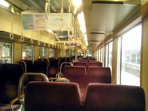 鳥取駅行き列車の車内