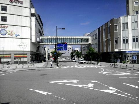七尾駅駅前の景色