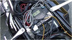 シート脱着&バッテリーアクセス